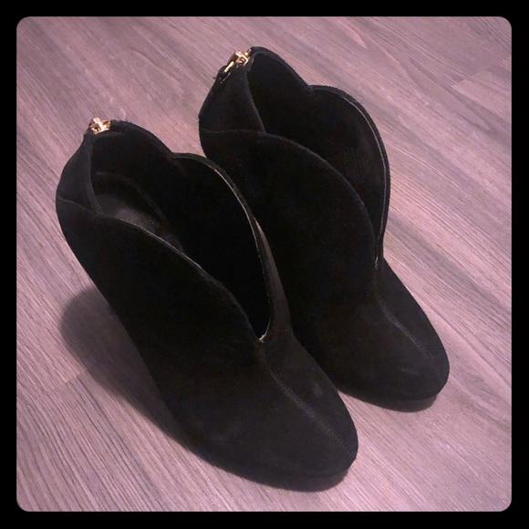 Nine West Shoes - Black booties Nine West size 5